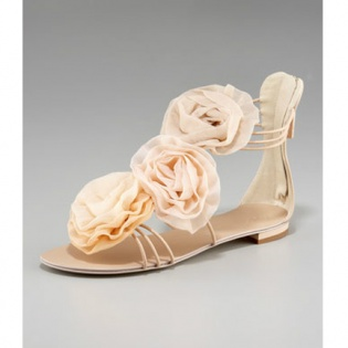 NWT rose rosette flat sandals pretty!