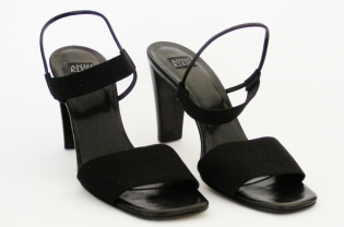 ANNE KLEIN sporty black sandal