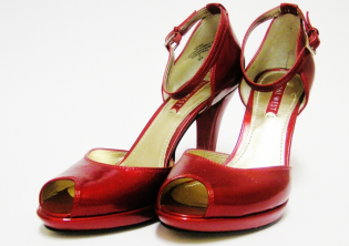 NINE WEST Hot red pumps